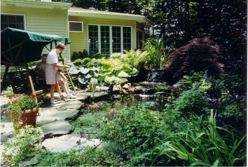 relaxing-by-the-diy-pond